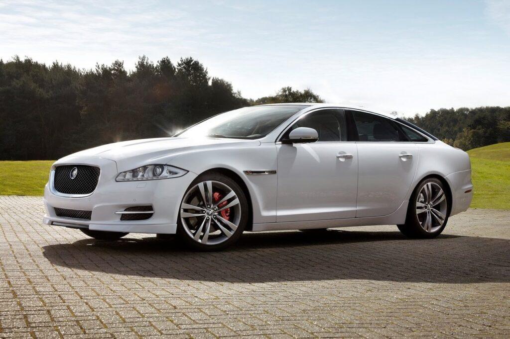 Thu mua xe ô tô Jaguar cũ tận nơi trên toàn quốc
