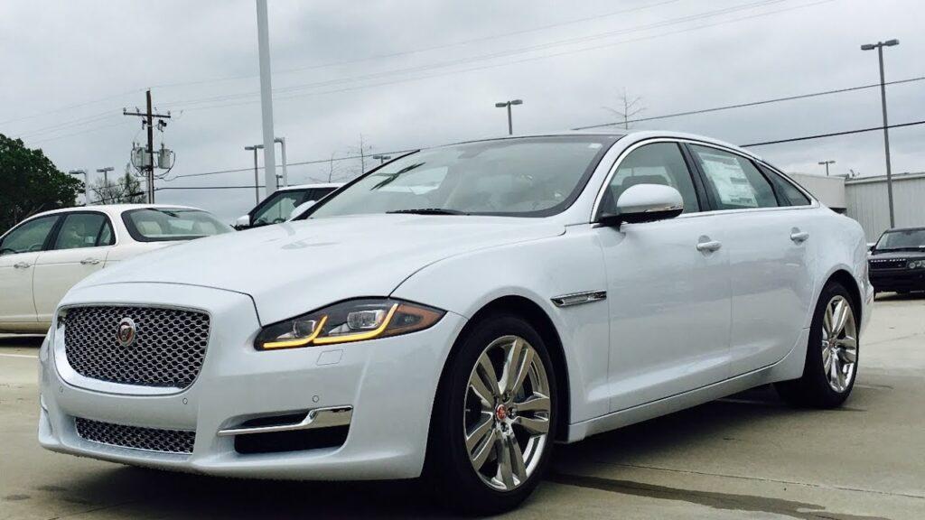 Thủ tục thu mua xe ô tô Jaguar cũ nhanh gọn
